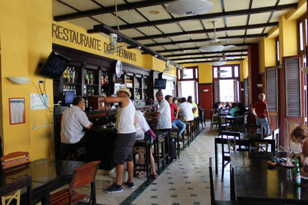 Bar Dos Hermanos all'Avana dal 1894